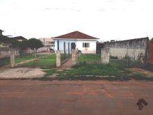 Casa térrea e terreno