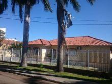 Casa ampla com dupla aptidão residencial e comercial