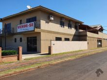 Imóvel comercial com estrutura residencial