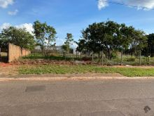 Terreno no Jardim Montevideu