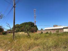 Esquina com 3 terrenos total 1080 m² com asfalto