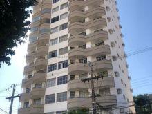 Amplo apartamento no bairro São Francisco