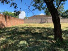 Terreno murado com excelente localização