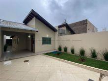 Maravilhosa casa térrea com piscina no Nova Campo Grande