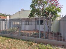 Casa térrea com 5 quartos - 3 banheiros e 4 vagas