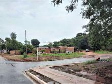 Esquina - asfalto a 100m da avenida Três Barras
